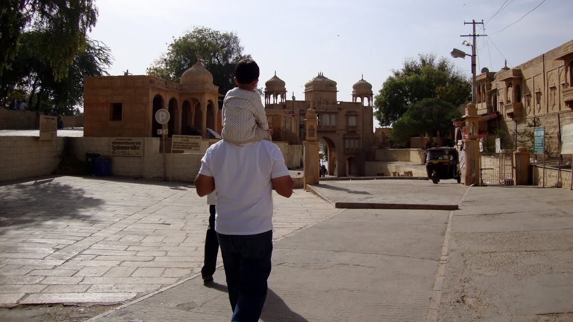 walkway to Gadisar